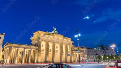 Berlin Germany time lapse 4K, city skyline day to night timelapse at Brandenburg Gate (Brandenburger Tor)