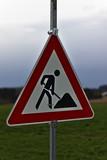 Znak ostrzegawczy, roboty drogowe.