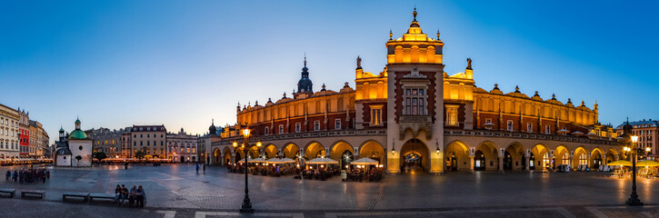 Krakow Cloth Hall by early blue hour (panoramic)