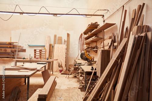 Leere Werkstatt in einer Schreinerei © Robert Kneschke