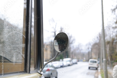 oldtimer Bus historisch alt antik LKW spiegel chrom