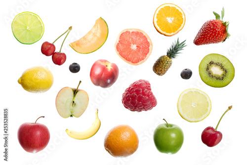 Freigestellte Früchte - 253528835
