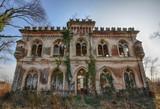 Altes marodes Herrschaftshaus