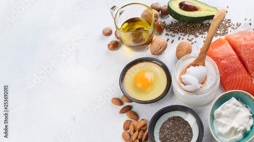 mata magnetyczna Selection of healthy fat sources