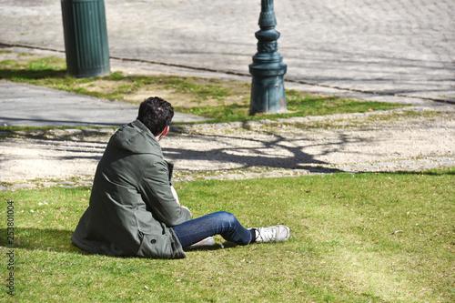 pieton gens temps horaire loisir jeune parc vert