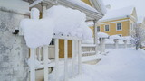 8009_One_of_the_gate_of_the_Palmse_manor_with_snow.jpg