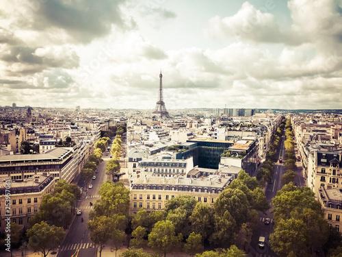 Classic Paris - 253957061