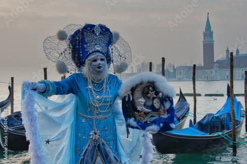 Karneval in Venedig - 254145658