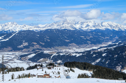 A picture from the ski resort in the austrian Alps. Snow and weather are perfect, slopes are empty. Skiing is passion in these conditions. The mountains around are great visible.  © shootingtheworld