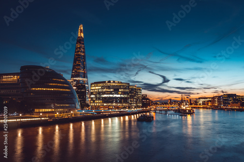 obraz lub plakat Banks of river Thames in London after sunrise