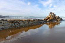 "Постер, картина, фотообои ""Rock at Atxabiribil beach in Sopelana, Vizcaya, Spain"""