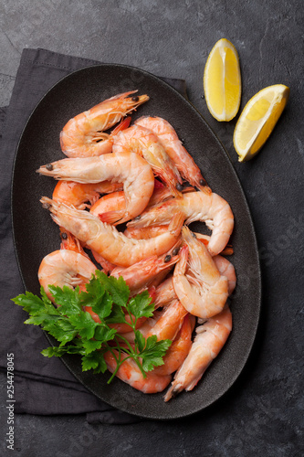 Leinwanddruck Bild Steamed tiger shrimps