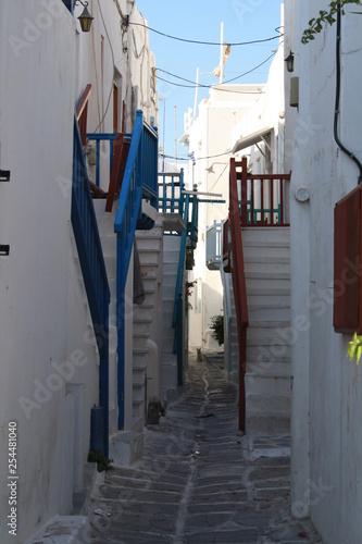 Escaleras paralelas - 254481040