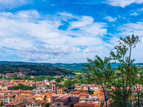 Tuscany village and houses in the countryside - 254500689