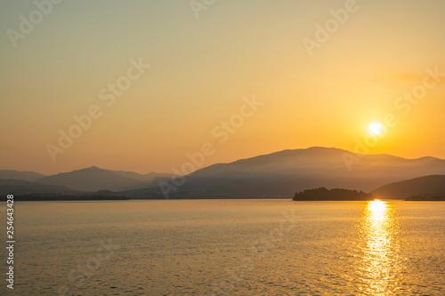 fototapeta na ścianę golden sunrise in greece