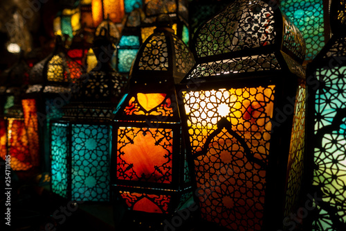 muslim style's lantern shining - 254711085