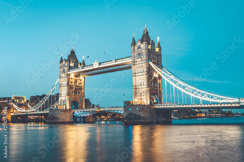 obraz lub plakat Illuminated Tower Bridge right after the sunset