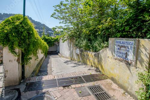 Das Karthaeuser Kloster in Capri, Italien. Die Klosteranlage wurde an einer Stelle gebaut, wo einst eine römische Villa stand.