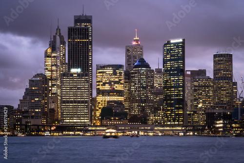 obraz lub plakat Twilight over the Sydney downtown district skyline