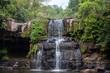Einsamer Wasserfall - 254983059