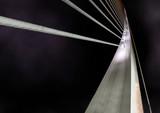 Plano cerrado de puente de metal moderno.Escena nocturna