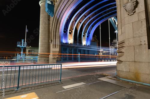 obraz PCV Lighttrails in Arch 1