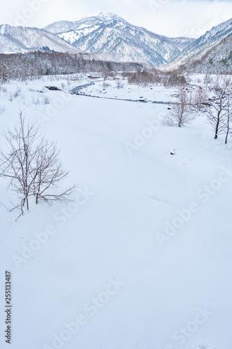 長野県白馬村 松川の雪景色