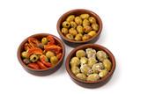 Grüne Oliven und halbgetrocknete Tomaten