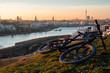 Leinwanddruck Bild - Phoenix-See Dortmund mit Fahrrad