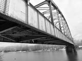 stalowy most z różnych kątów