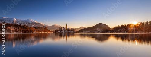 Sonnenaufgang am Lake Bled © Thomas