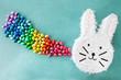 Leinwanddruck Bild - Froehliche Piñata zu Ostern