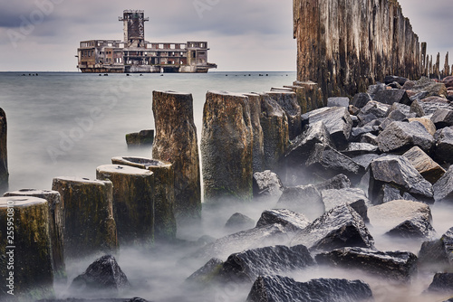 Ruiny torpedowni i mola Babich dołach nad zatoką Gdańska, © barytek