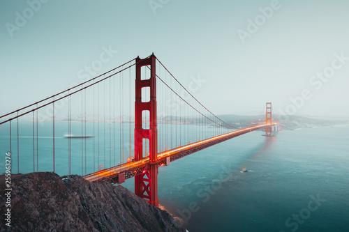 Leinwanddruck Bild Golden Gate Bridge at twilight, San Francisco, California, USA