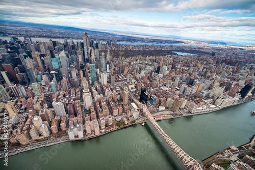 Wide angle aerial view of Midtown Manhattan and Central Park from helicopter, New York City © jovannig