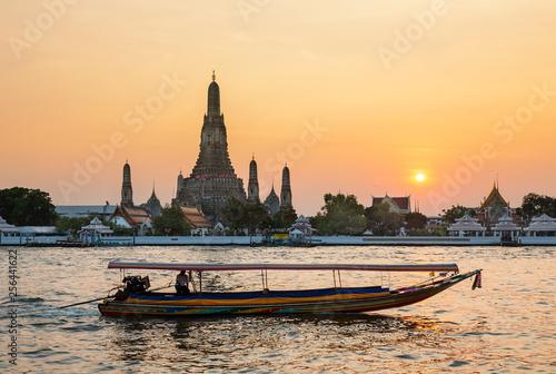 Fototapeten Bangkok Sunset at Wat Arun