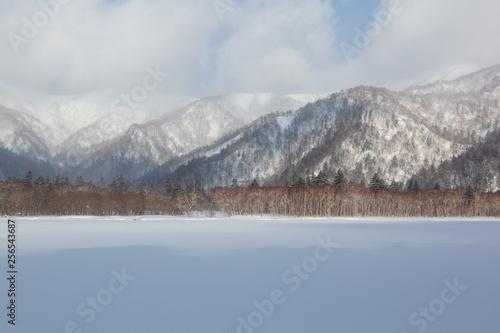厳冬のオコタンペ湖