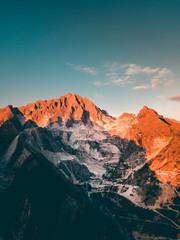 Montagna Alpi Apuane per la produzione del Marmo di Carrara © Polonio Video