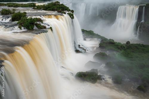 Leinwandbild Motiv Iguazu Falls on the Border of Brazil and Argentina