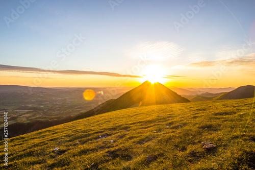 Monte Catria all'alba