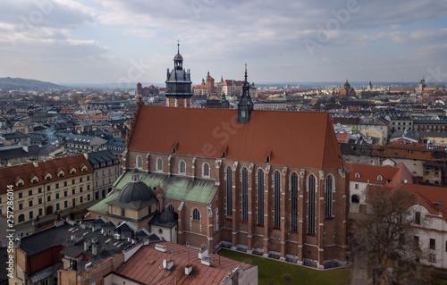 fototapeta na ścianę Basilica of Corpus Christi in Krakow against the backdrop of Wawel Castle, Poland