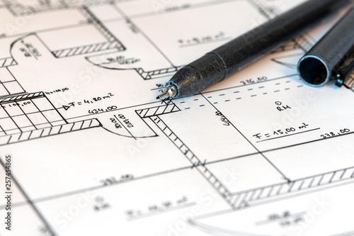 Leinwanddruck Bild Planzeichnung eines Hauses mit Fineliner