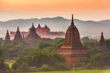 Fototapeta Fototapety miasto - Bagan, Myanmar ancient temple ruins landscape in the archaeological zone © SeanPavonePhoto