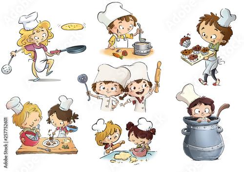 niños cocineros en cocina - 257752601