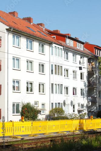 canvas print picture Wohnhaus, Mehrfamilienhaus, Wohngebäude