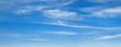 Leinwandbild Motiv Blauer Himmel mit leichter Bewölkung