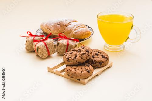 croissant , food, coffee, sweet, breakfast, cake, dessert, cup, chocolate, cookie, white, plate, baked, snack, bakery, cookies, biscuit, brown, tea, pastry, bread, drink, sugar, delicious, tasty, beve © hdjonko