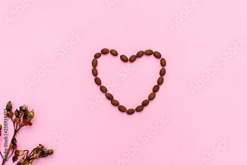 Pink heart on the wooden background. Provencal still. © Ксения Овчинникова