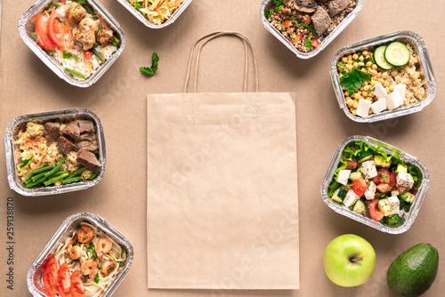 Healthy food delivery. © mizina