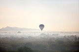 Fototapeta Fototapety z naturą - Hot air balloons fly over Bagan © BlueOrange Studio